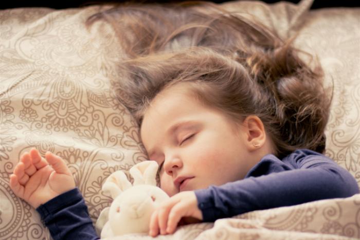 bien dormir avec un pendentif en pierres naturelles
